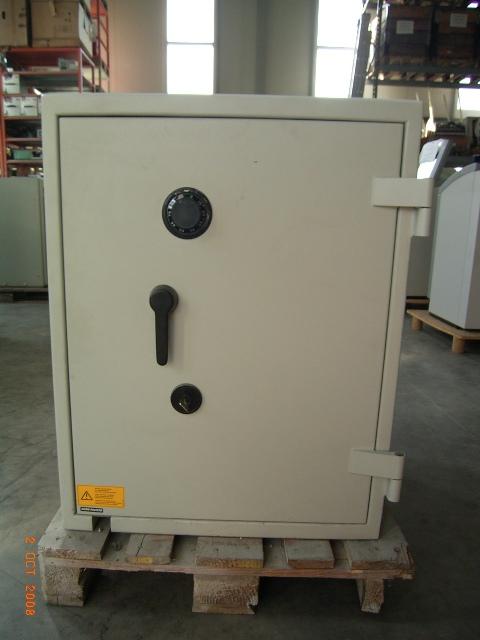 dia tresor gebrauchte tresore safes wertschutzschrank panzerschrank g nstig. Black Bedroom Furniture Sets. Home Design Ideas